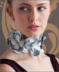 Free Fashion Choker Pattern: Raw Edge Flower Choker